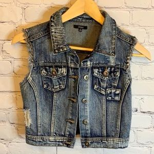 CHIOLE Spiked denim distressed cropped vest